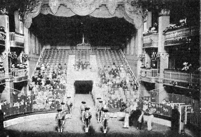 Desfile de niñas toreras, año 1899