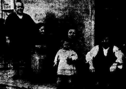 Anselma Meana, con su familia.